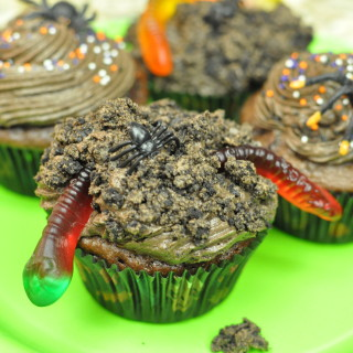 Creepy Crawlies Cupcakes