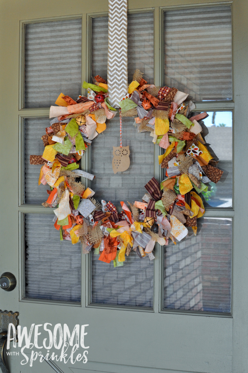 Easy No-Sew Fabric Tie Wreath | Awesome with Sprinkles