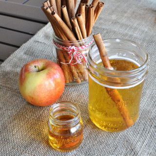 Hot Apple Pie Cider (Hard Cider + Fireball Whiskey)