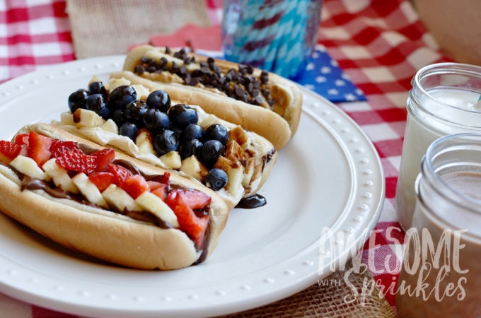 dessert-dogs-fourth-of-july-awesomewithsprinkels-featured