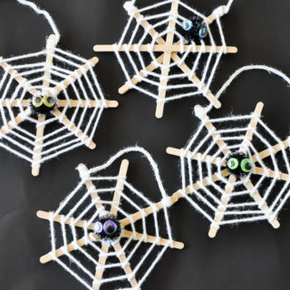 Five Minute Spooky Spiderweb Craft
