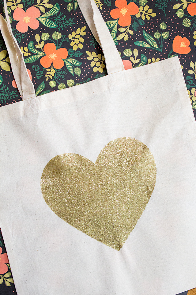 DIY Glitter Tote Bag from DIY Galentine's Day Gift Ideas Round Up || Awesome with Sprinkles